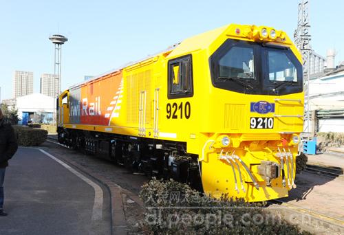 """大连机车公司第一代出口新西兰机车首登大洋洲,""""中国造""""火车头迈出向"""