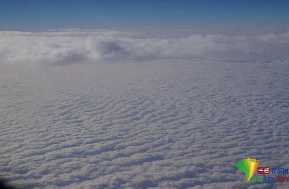 北京到广州航班拍南北雾霾