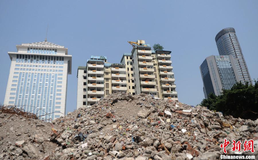 重庆现最牛建筑拆除作业图片