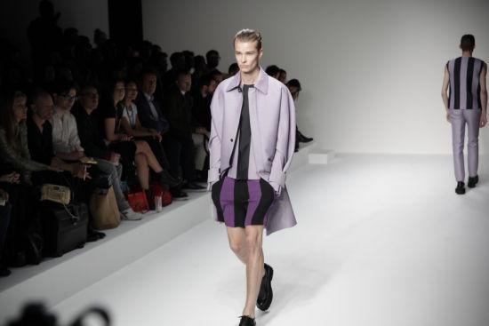 中国男装设计师周翔宇亮相伦敦男装周