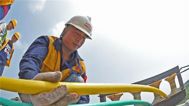 京沈高鐵遼寧段開始敷設電力高壓電纜