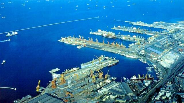 今年上半年大連港商品車轉運量增長近四成