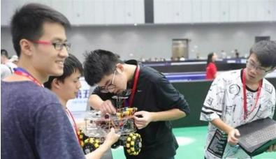 中國機器人及人工智能大賽 大連理工大學奪兩冠