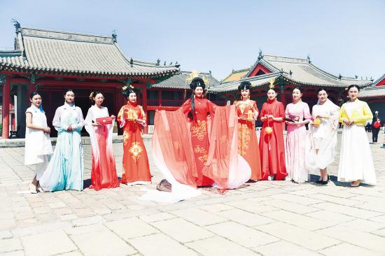 沈阳:皇宫文化嘉年华