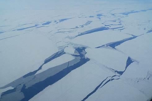 """極寒北極地位""""升溫"""" 礦産資源開發號角已吹響"""