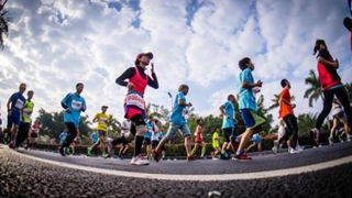 2019營口·鲅魚圈國際馬拉松賽鳴槍開跑