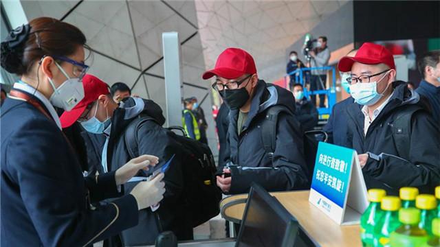 遼寧醫護人員為打贏疫情防控阻擊戰築起生命防線