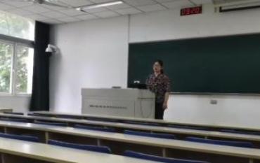 【視(shi)頻】為滿(man)足學生心願 輔導員對著(zhou)空教室開畢業(ye)班會