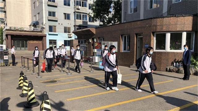 沈陽高二初二年級昨日返校復課
