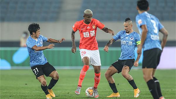 足球——中超:廣州恒大淘寶隊勝大連人隊