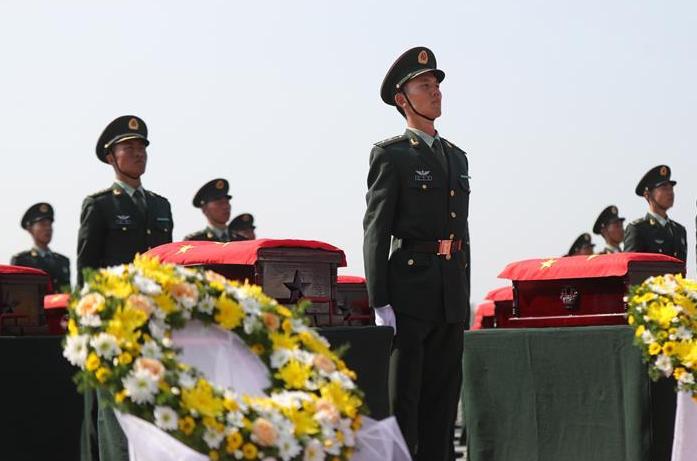英雄回家!中國隆重迎接117位在韓志願軍烈士遺骸回國