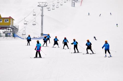 遼寧省打造冰雪運動初學者的樂園